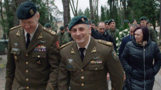 film-scene-delta-zoo-military-officers